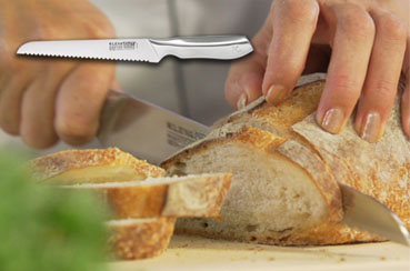 The Kleva Bread Knife gives a smooth and sharp slice