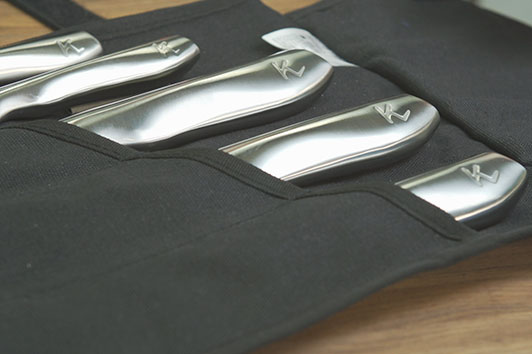 Keep your professional knives safe with this convenient knife satchel