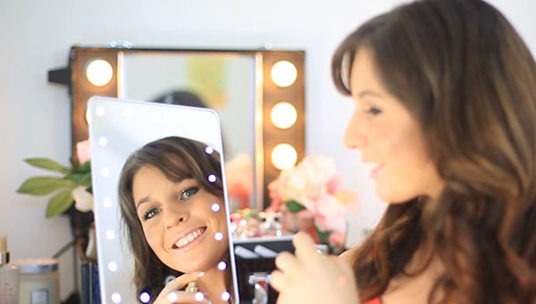 Get the Hollywood glam with the full frame mirror, with super bright LED lights