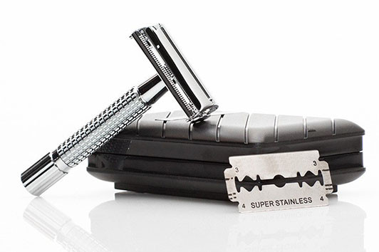 Easily change out the blades for a fresh shave, perfect for males and females, with a sturdy, solud handle